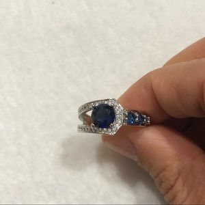 Jewelry - Modern Crisscrossed Blue Sapphire 925 Silver Ring